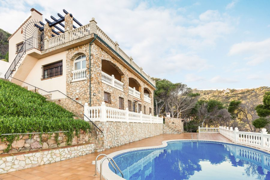 Multi family villa with spectacular sea views