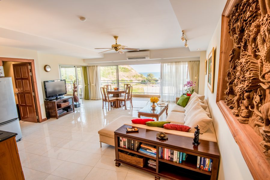 Sea View condo in the popular Kao Takiap area