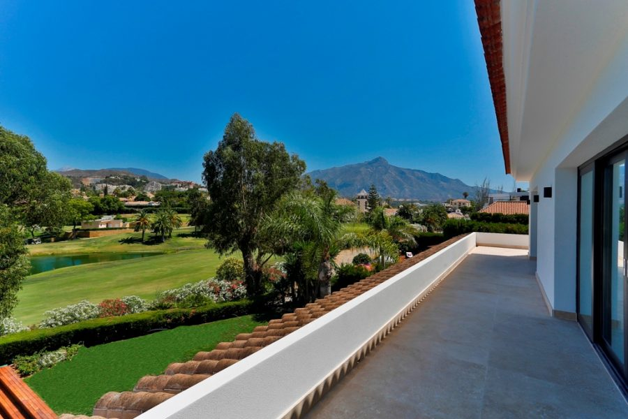 Marbella: Front-line Golf, 6 bed, 8 bath, Villa