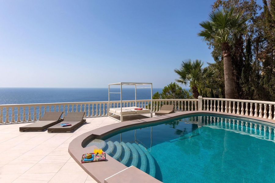 Jávea: Front-line Sea view luxurious grand villa