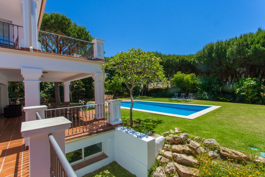 Marbella: Newly renovated 7 bed luxury home
