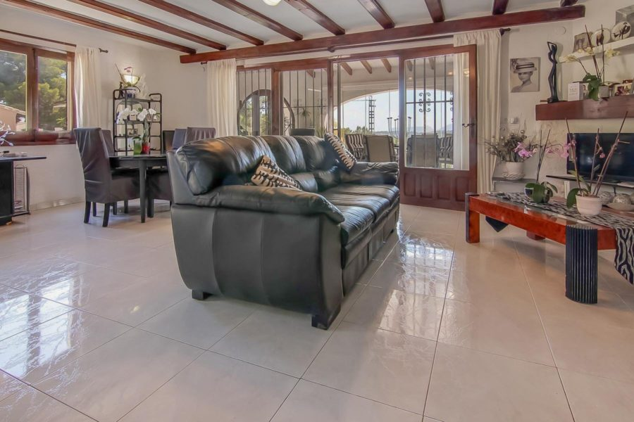 Villa with huge potential in a premium location